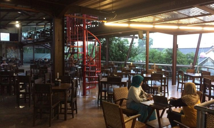 Ling Lung Kopi & Eatery
