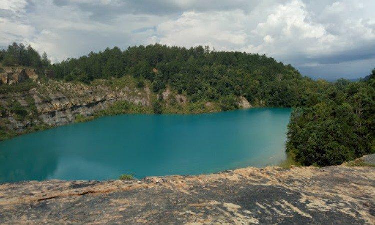 Alamat Danau Biru
