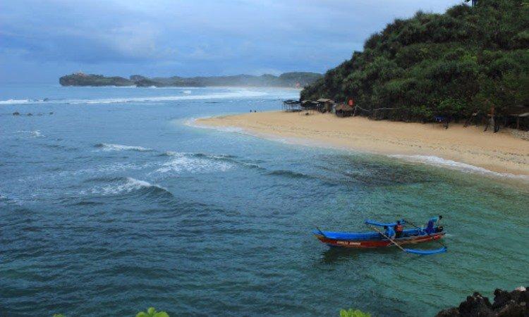 Kegiatan Pantai Ngandong