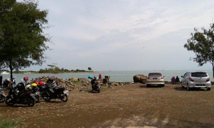 Fasilitas di Pantai Marina Anyer