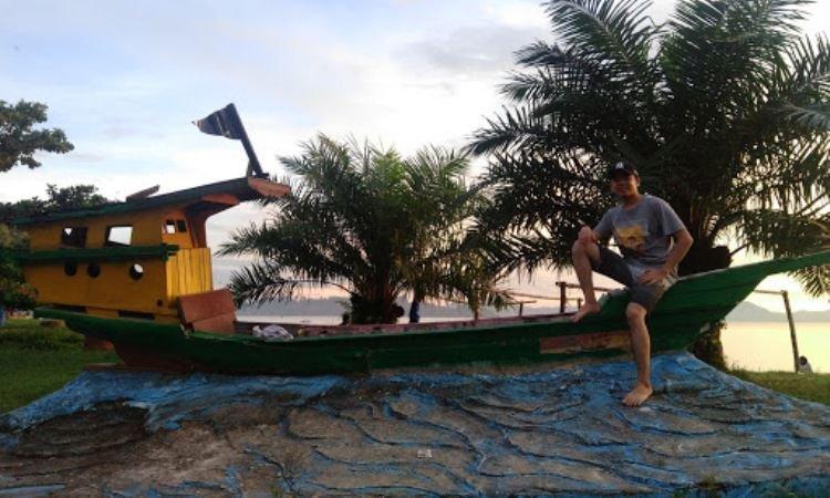 Kegiatan di Pantai Pandan